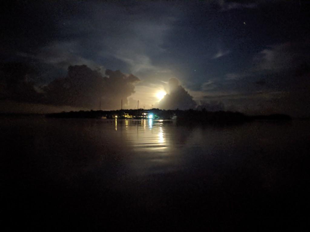 Tranquilo Moonrise